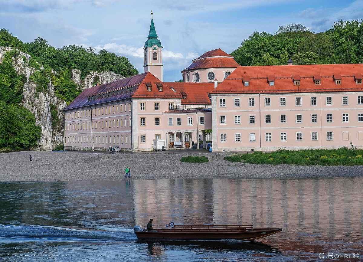 mai-abends-gegenüber-kloster